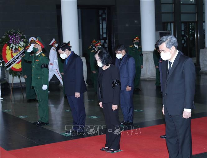 Ảnh: Lãnh đạo Đảng, Nhà nước viếng Đại tướng Phùng Quang Thanh - 11