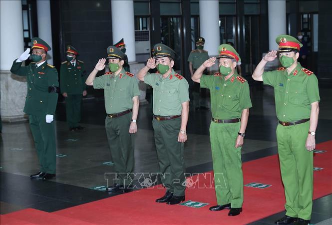 Ảnh: Lãnh đạo Đảng, Nhà nước viếng Đại tướng Phùng Quang Thanh - 12