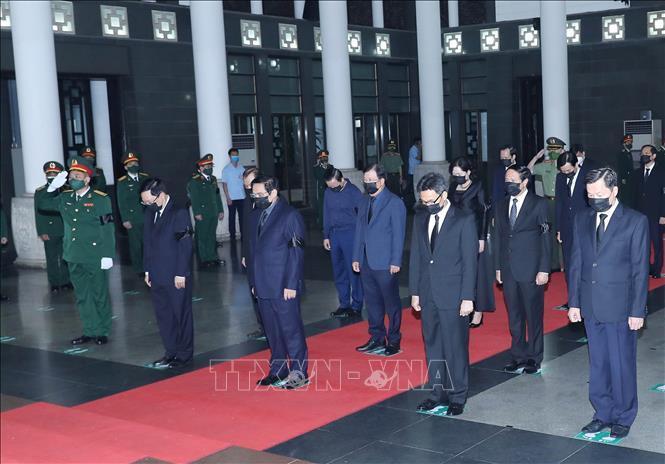 Ảnh: Lãnh đạo Đảng, Nhà nước viếng Đại tướng Phùng Quang Thanh - 7