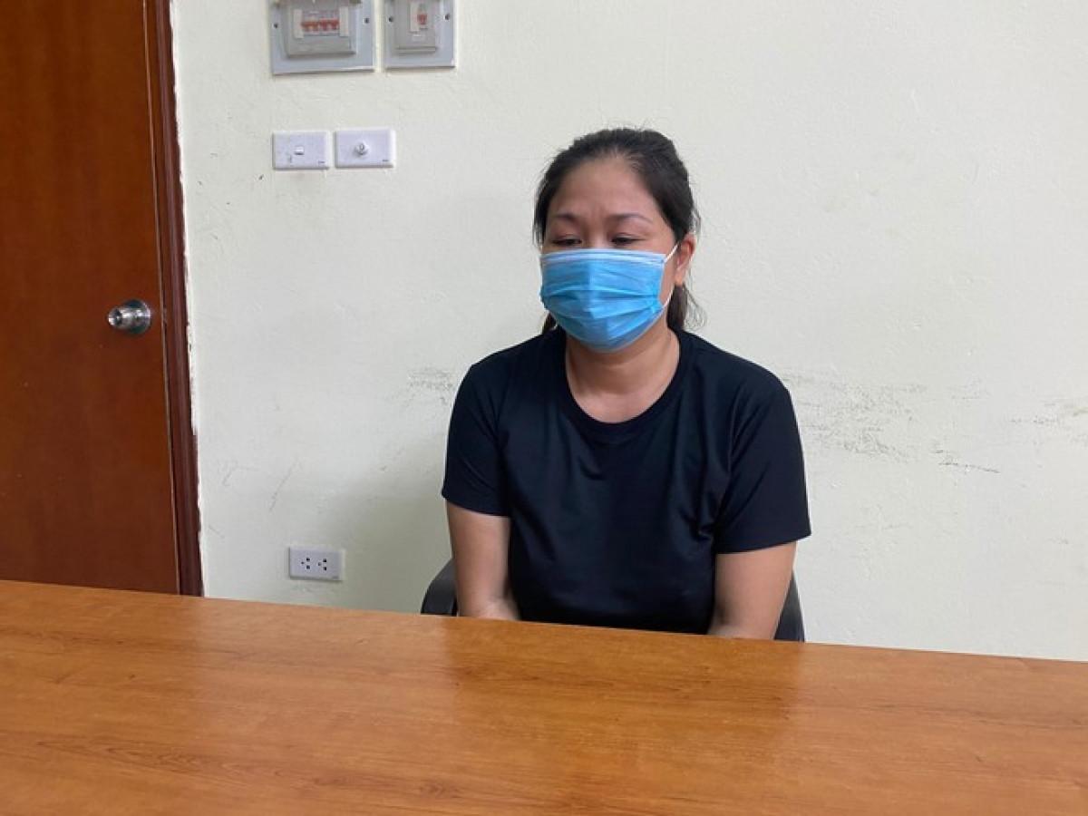 Nguyễn Thị Lợi tại cơ quan công an