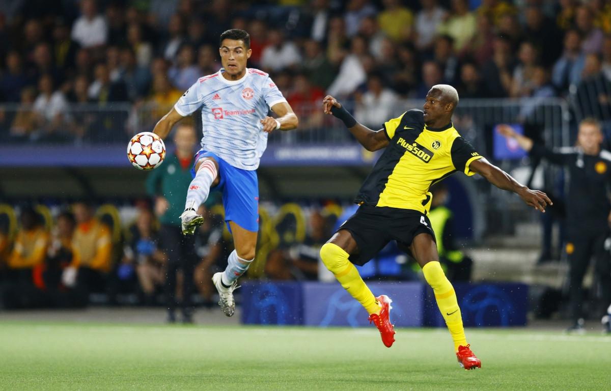 Sau thất bại trước Young Boys ở đấu trường Champions League, MU sẽ có 2 trận đấu liên tiếp với West Ham. (Ảnh: Reuters).