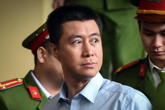 Phan Sào Nam xin trích lương, đi vay mượn để thi hành án - 1