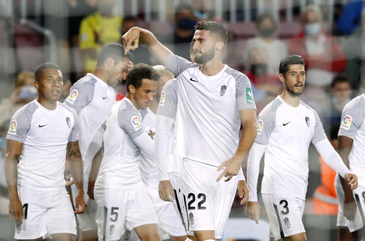 Granada mở tỷ số ngay phút thứ 2. (Ảnh: Reuters)