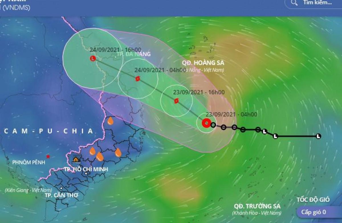 Áp thấp nhiệt đới có khả năng mạnh lên thành bão, ảnh hưởng các tỉnh miền Trung từ tối nay.